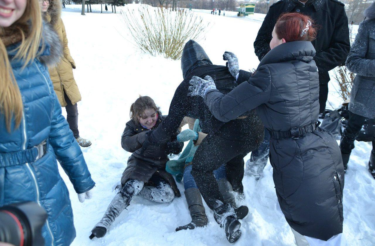 Традиции ЭМШ: снеговаляние